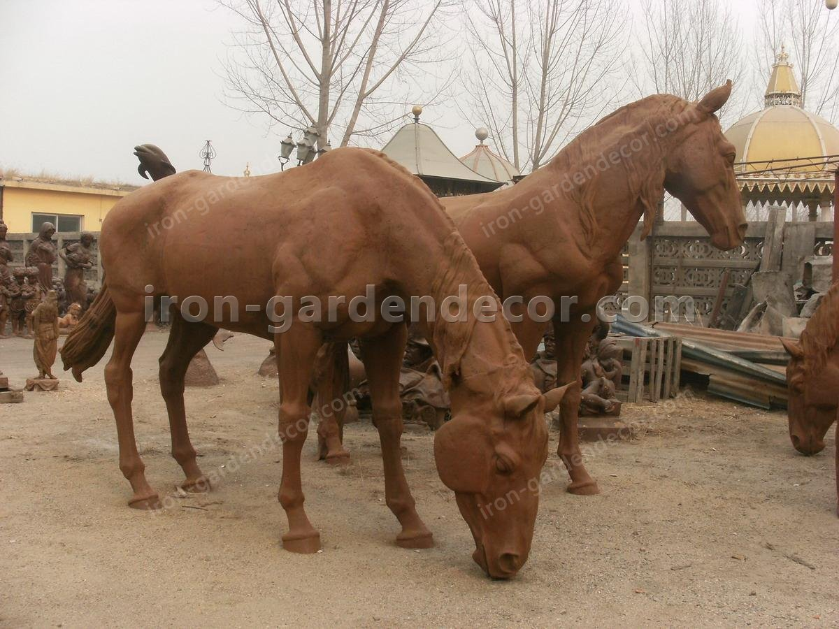 large iron horse for garden docoration, rust large horse down head-Horse Family (4)