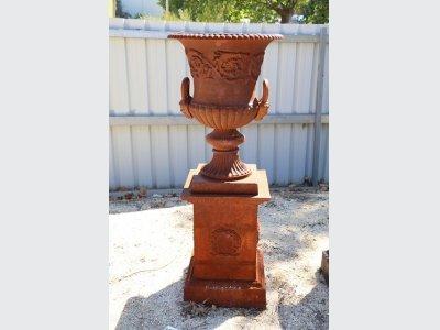 urn planters,cast iron garden urns for sale