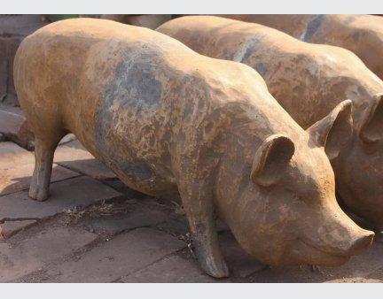 yard art metal animals,iron sculpture art,small cast iron animals, iron pigs, large pig