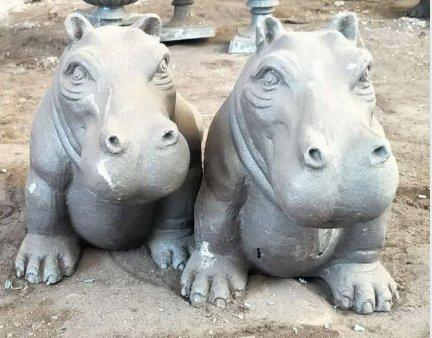 iron metal animal of small hippo for garden decor
