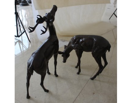 bronze deer, metal deer for garden decoration art