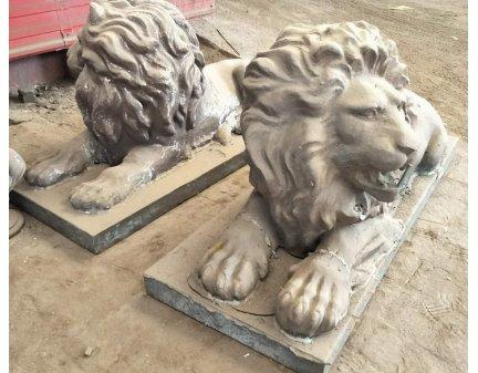 iron lion,small iron items,cast iron items,cast iron animals,metal lion animals