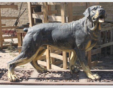 large iron aniaml sculpture dog