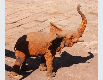 yard art metal animals,cast iron animals small elephant