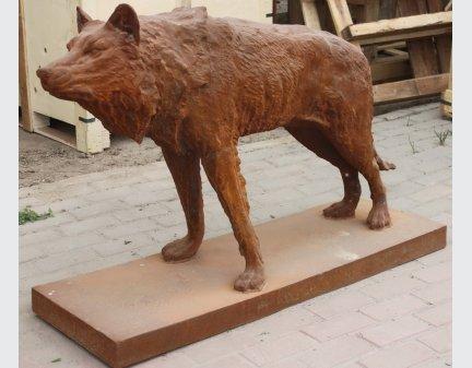 iron animal sculptures,animal iron wolf statue
