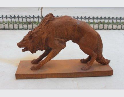 cast iron sculpture,cast iron sculpture wolf