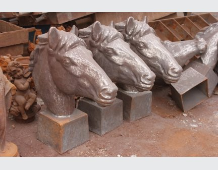 cast iron items horse head metal
