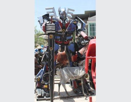 High Quality Robot Man iron garden Electrical Robot Toys items