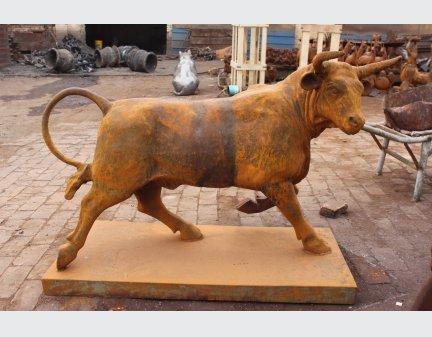 garden decoration,cast iron animal bull mold